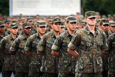 Curso Caxias - O que é o Militar de Carreira?