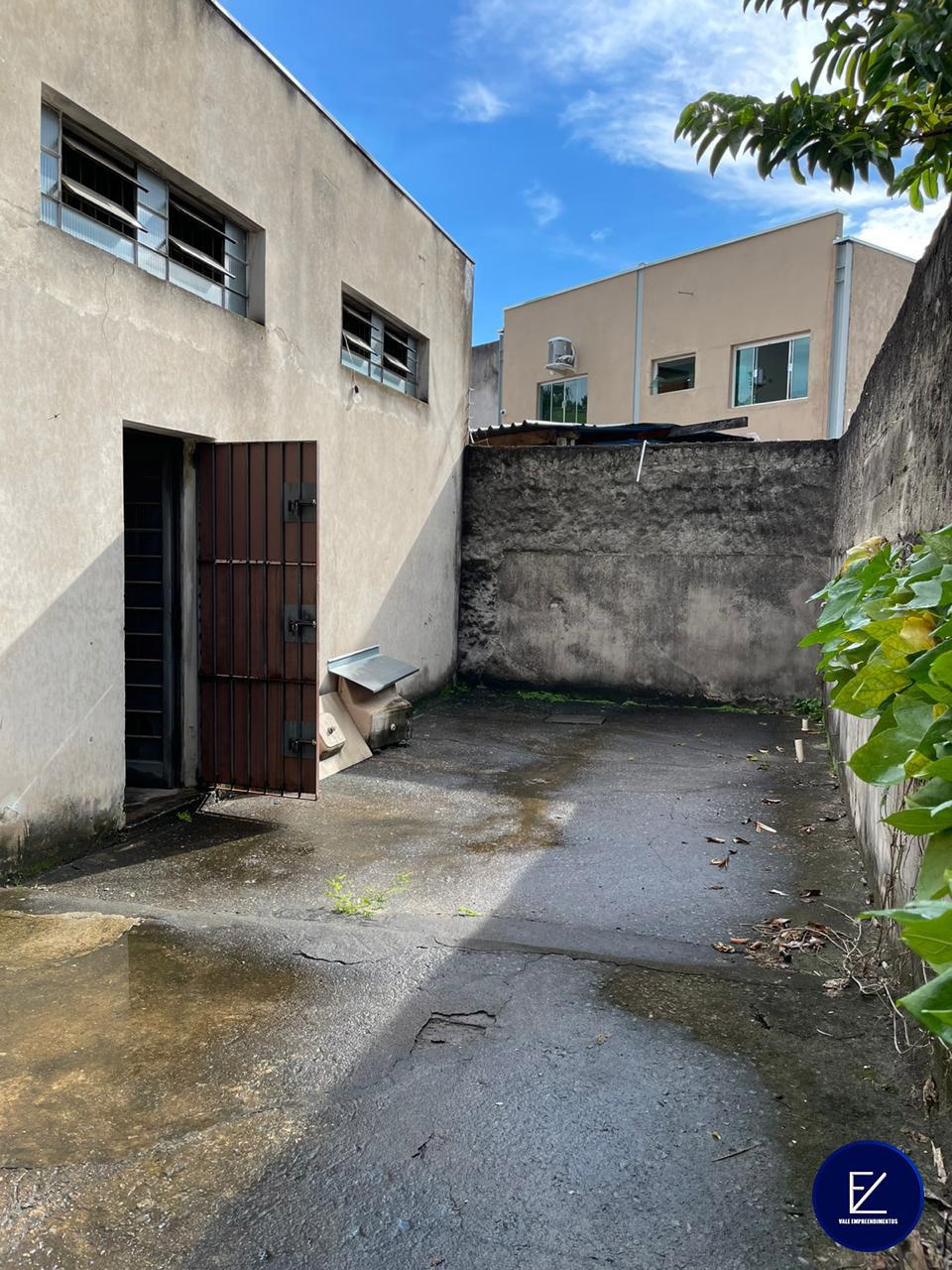 Galpão com 220 m² / Centro de Taubaté / SP - Vale Empreendimento